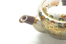 九谷焼通販 おしゃれな急須 茶器 萬古焼 大 加賀のお殿様・お姫様キブン(金花詰)注ぎ口の図
