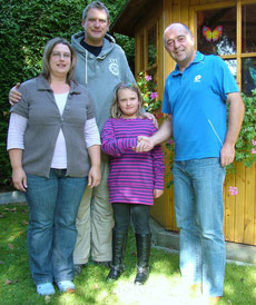 von links: Fam. Herfurth mit der Gewinnerin Leonie und Siegfried Singer