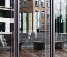 PETER BRAUNHOLZ, HABITAT IV, Frankfurt, Deutschland, 2009, 60 x 77 cm, Archivpigmentdruck auf Hahnemühle Fine Art Baryta Artsec mit Schattenfugenrahmen, Edition: 5+2 AP, € 3.200,-- zzgl. Rahmung (€ 150)