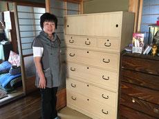 美山町より修理済みの箪笥を買いに来店くださいました。