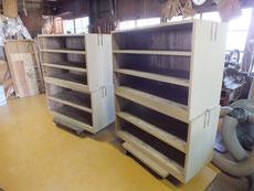 豊橋市より修理依頼の桐たんすの本体のヤシャ仕上げの乾燥待ちです。