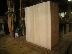 裏板の割れが複雑で、埋め木修理できない為、貼替修理