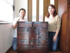 岐阜市より修理依頼の時代箪笥の納品をしてきました。出来上がりにとても喜んで下さいましたとても喜んで下さいました。