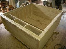 本体縁、側板もカビでいっぱいでしたが、カンナで削り完成