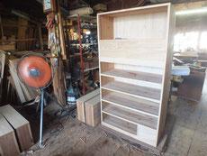 新しく作った前板と引出本体を接合して仕込み直します。