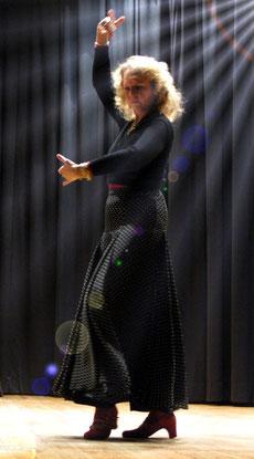 Petra Munoz-Rodriguez, Flamencotänzerin und Trainerin, www.RAICES DE GITANA.de