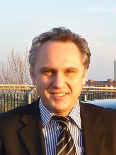 Александр, Директор