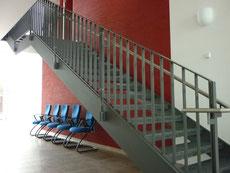 Fischer Metallbau GmbH Freitragende Wangentreppe