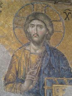 Christus Pantokrator, der allmächtige Weltenherrscher, sitzend zur Rechten Gottes; Mosaik in der der Hagia Sophia