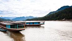 Boot fahren auf dem Mekong in Laos.