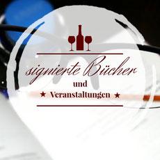 Schriftstellerin Katy Buchholz signiert ihre Bücher
