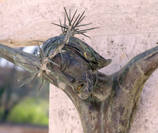 Particolari dei crocifissi