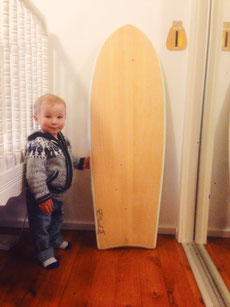 Young Elvis and his first board :)