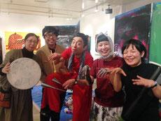 左から)ササマユウコ、カプカプ所長鈴木励慈さん、新井英夫さん、ミロコマチコさん、板坂記代子さん