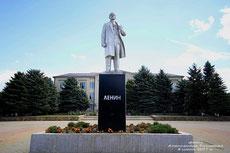 памятник Ленину на цент. площади