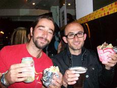 David y César con sus arepas