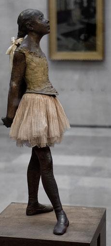 Degas la petite Danseuse 14 ans sculpture