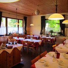 Gut in den Tag starten  Ein guter Start in den Urlaubstag beginnt auch bei uns in Franken  mit einem  noch besseren Frühstück.