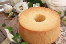 無垢ホワイトいまいさん卵と無施肥米粉のやさしいシフォンケーキ