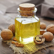 huile-de-noix-gastronomie-specialites-Touraine-Vallee-de-la-Loire