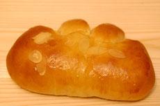 クリームパン 165円