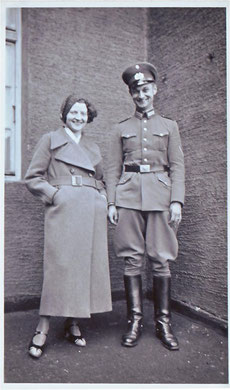 Abb.6: Hedwig und Armin um 1932.