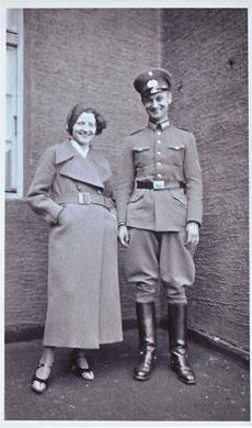 Abb.5: Hedwig und Armin um 1932.
