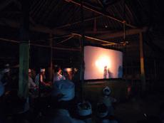 伝統的なワヤンの上演の様子。