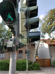 Achtsamkeit im Alltag: Fußgängerampel, Schlange stehen