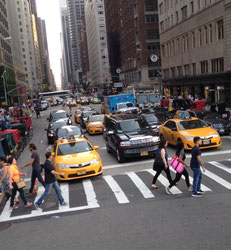 new-york-streets-taxi