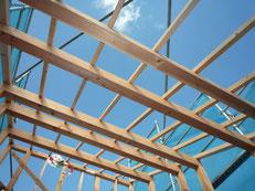 無垢の木でつくる 台東区 木造3階建て耐火建築物 屋根垂木工事画像4