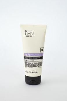 FaceEssential: Peeling cosmetico enzimatico in gel. --26 €--