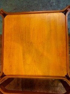 Etape 5: finition. Table teinte, vernie et cirée