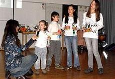 Die vier Kinder von Jacqueline Rubli umrahmten die Buchvorstellung mit musikalischen Auftritten.
