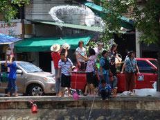 Chiang Mai, Songkran au bord du canal