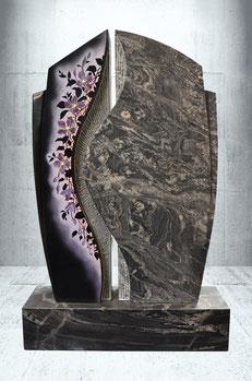 Grabstein mit Clematisranke