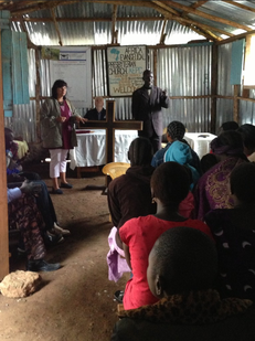 Karin predigt in der Sudanesen-Gemeinde
