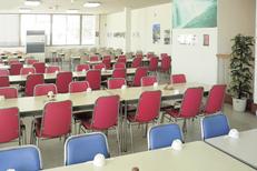 2Fテーブル席(約140席)