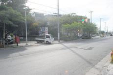 17年連続で石垣税務署管内の最高路線価となった市役所通り(資料写真)