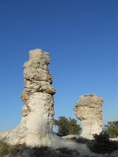 Les Mourres : d'étranges rochers...