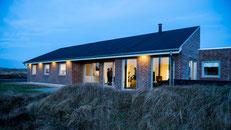 Dänischer Urlaubstraum: ein Ferienhaus in den Dünen an der Nordsee bei Hvide Sande. Foto: Hvide Sande/PR
