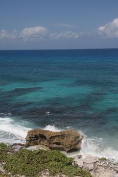 Cette mer n'est pas celle des Seychelles, mais son bleu est tout aussi évocateur. Crédit photo : Sophie Hamel-Dufour
