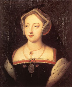 Mary Boleyn wearing a gown trimmed with red fabric and ermine fur.  Her headdress is a Gable Hood with one side of the veil PINNED UP (CC BY 2.0, flickr, picture by Lisby)