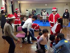 避難ママのお茶べり会・クリスマス会の様子