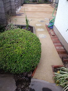 防草まさ土、枕木花壇