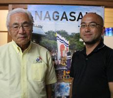 自治会長の常多勝己さん(右)と長采・田代直樹さん
