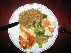Selbst zubereitet & genossen: Huhn mit Grünkern und Kaisergemüse