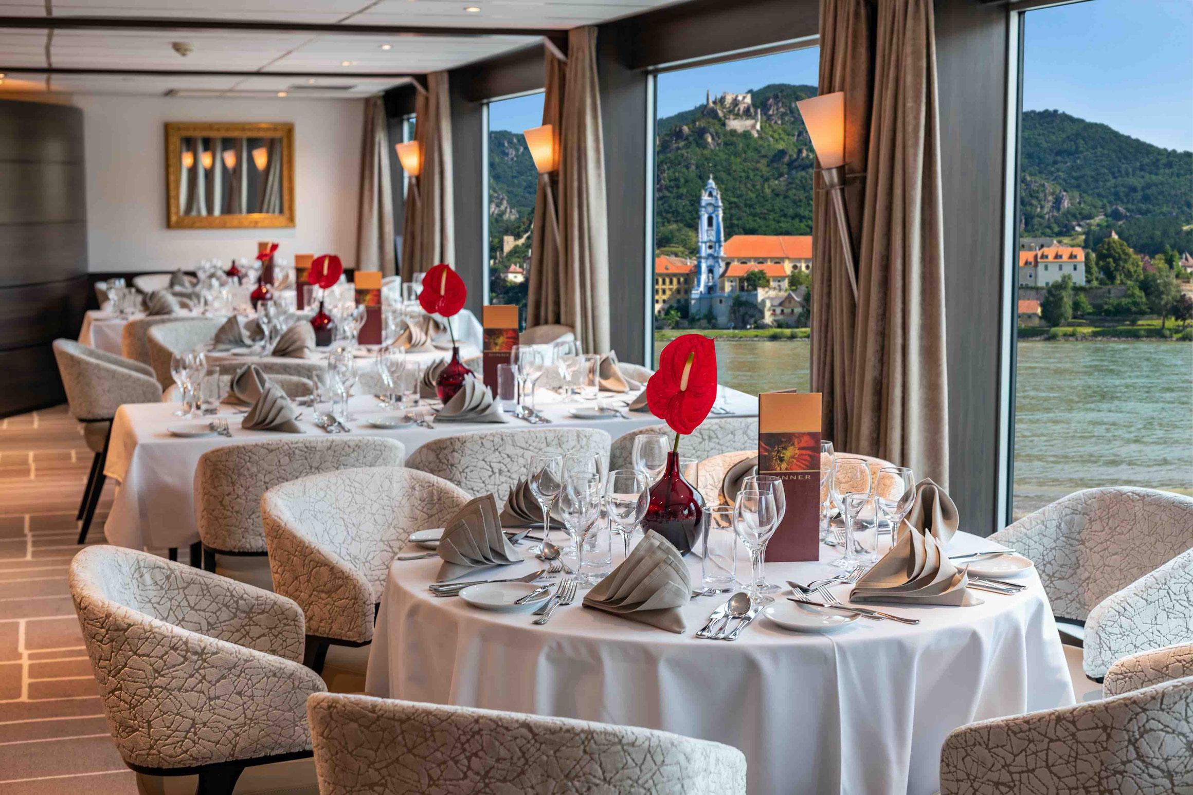 MS AMADEUS Brilliant Restaurant