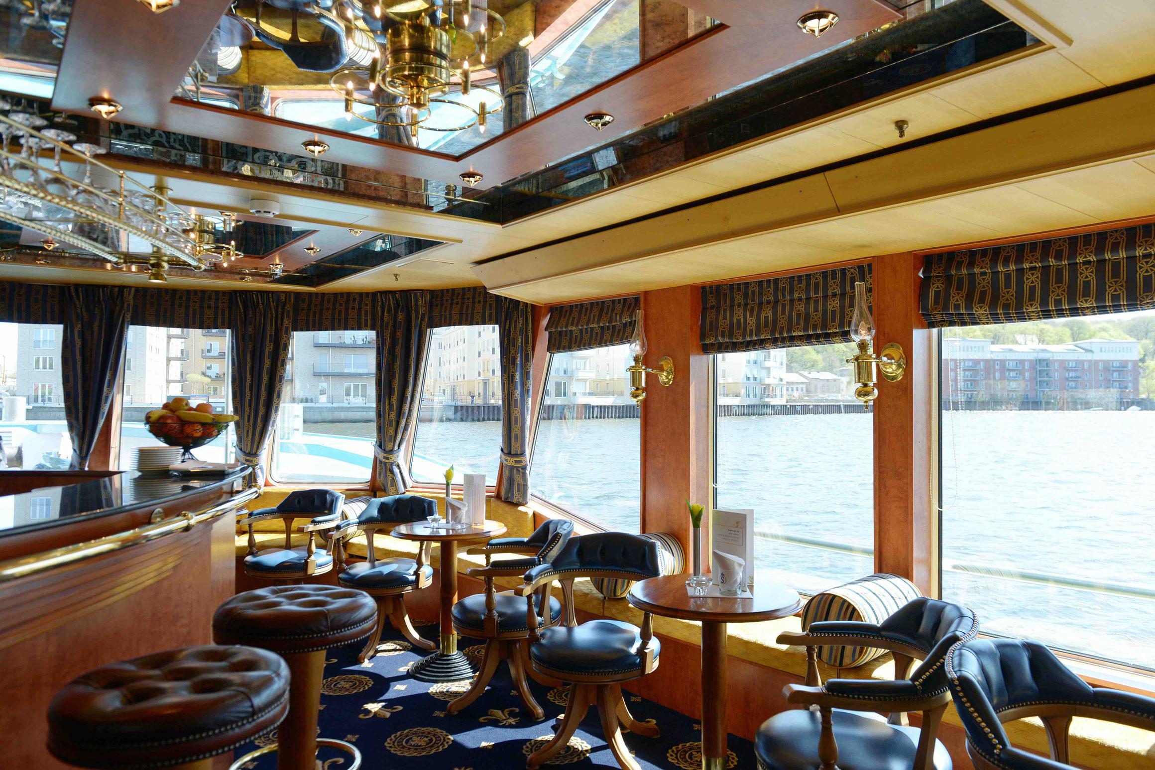 MS Thurgau Saxonia Panorama Lounge mit Bar