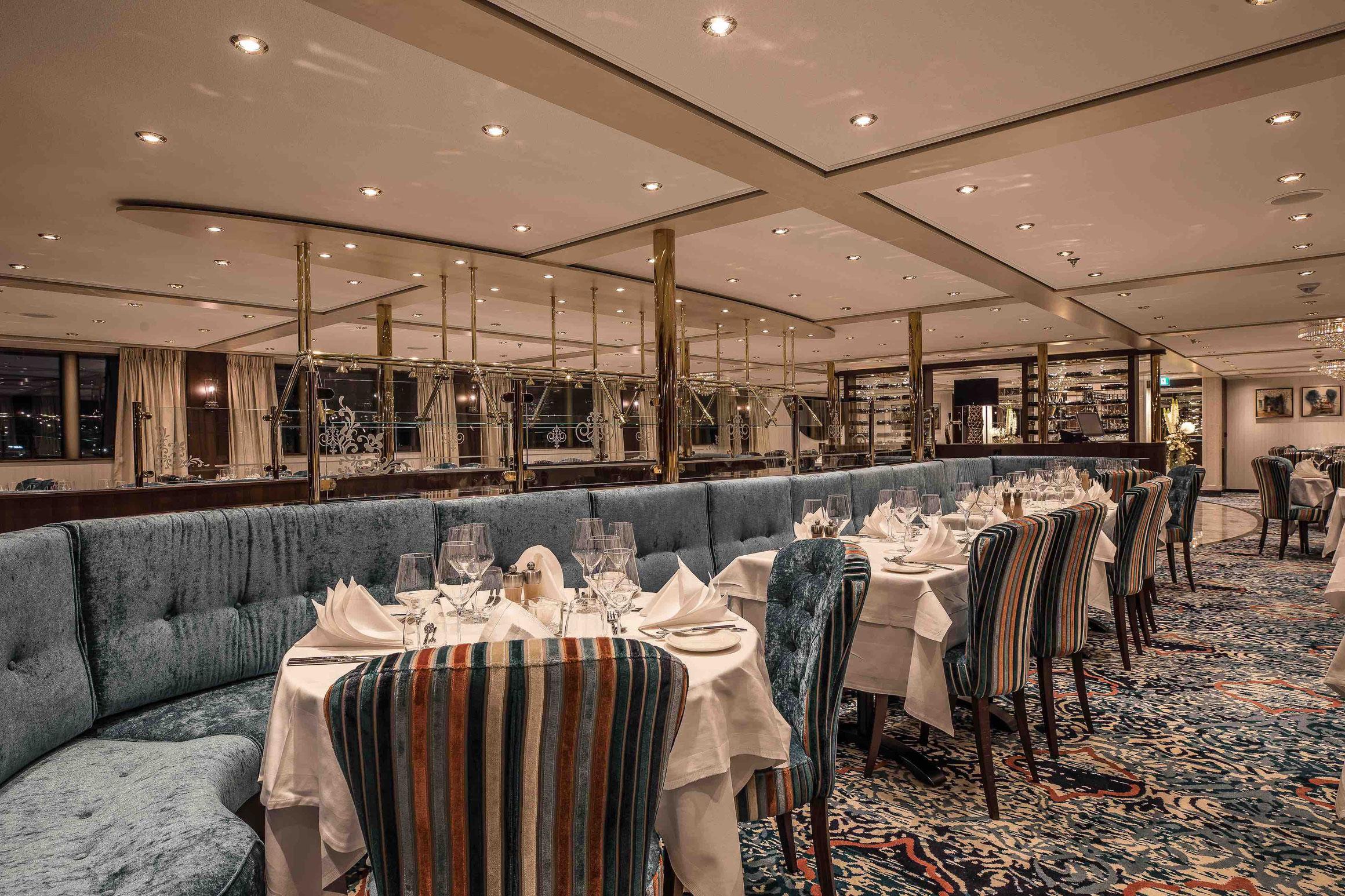 MS George Eliot Panorama Restaurant